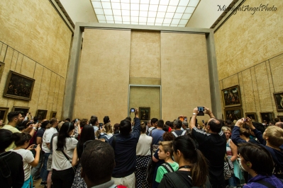 The Absurdity at the Mona Lisa