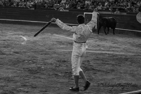 A matador during the Tercio de Banderillas