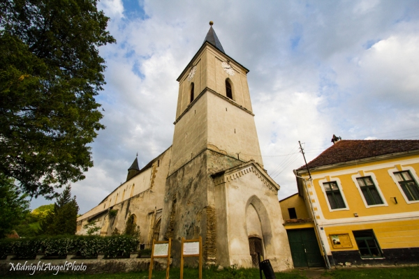 An old fortified church in Richiș