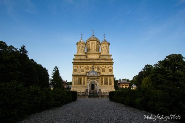 The Mănăstirea Curtea de Argeş